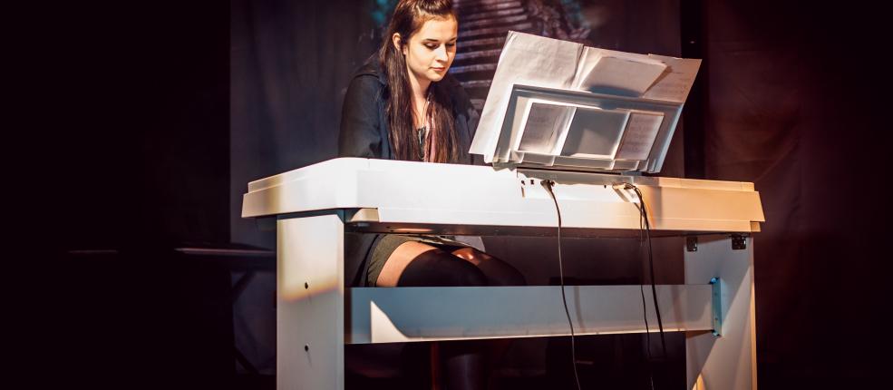 Agata Horwat – pianino, uczennica 3 roku