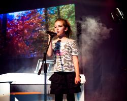 OMC pro JUNIOR MUSIC SCHOOL od 5 lat – nauka gry na pianinie, nauka gry na perkusji, nauka gry na gitarze, nauka śpiewu, zajęcia dla młodzieży Bielsko-Biała